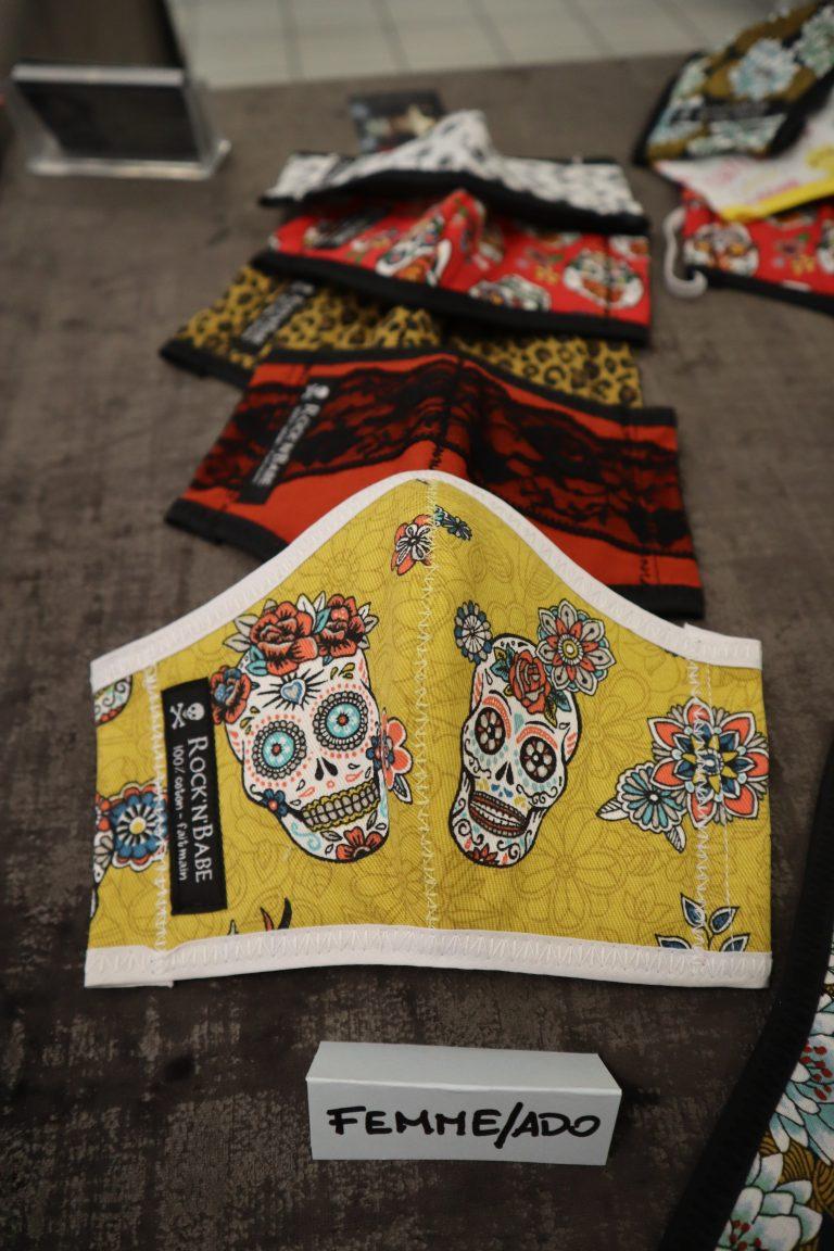 ROCK'N'BABE à Vienne – Boutique éphémère rue Marchande. Collections uniques de créations Rock (bavoirs, masques…) faits à la main.